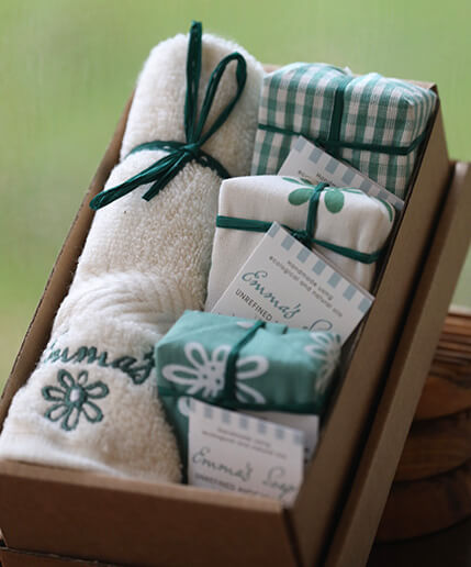Avocado Gift Box with flannel