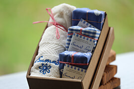 Organic Jojoba Gift Box with flannel